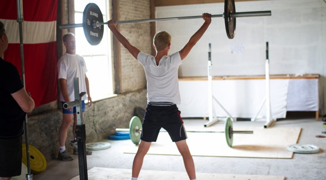 Sommertræningslejr for unge vægtløftere i Nors