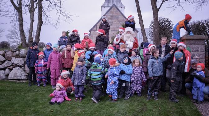 Juleoptog juletræstænding og krybbespil
